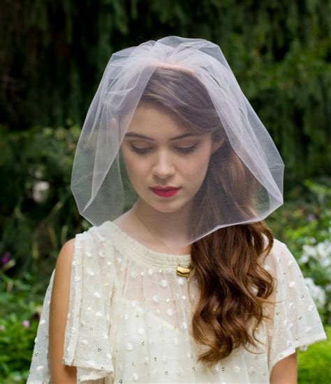 fancy chin length hair elegant single layer chin length blusher veil blush