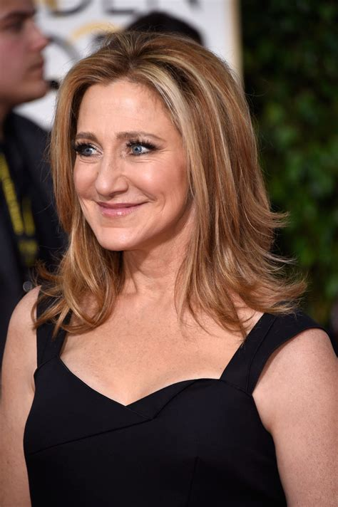 edie falco medium layered cut edie falco looks stylebistro