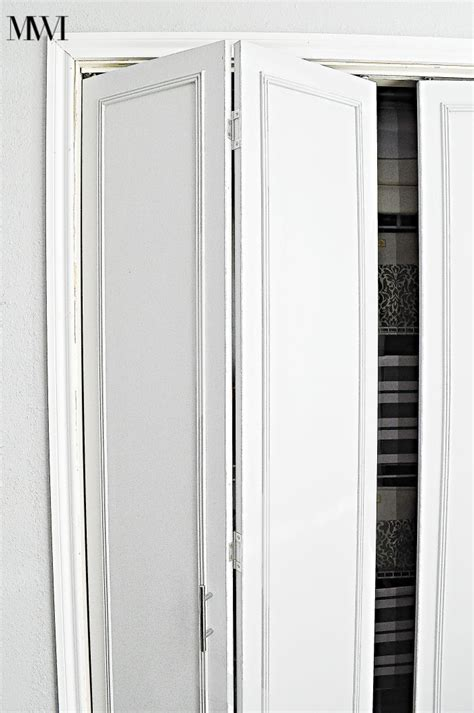 Adding Trim To Bifold Closet Doors - best 25 folding closet doors ideas on bi fold