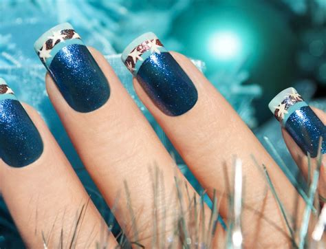 For A Properly Festive Vibe Get Nails And A Mysterious Smokey Eye From The By Terry Collection Fashiontribes by Nails Get Festive With Patterned And Sparkly