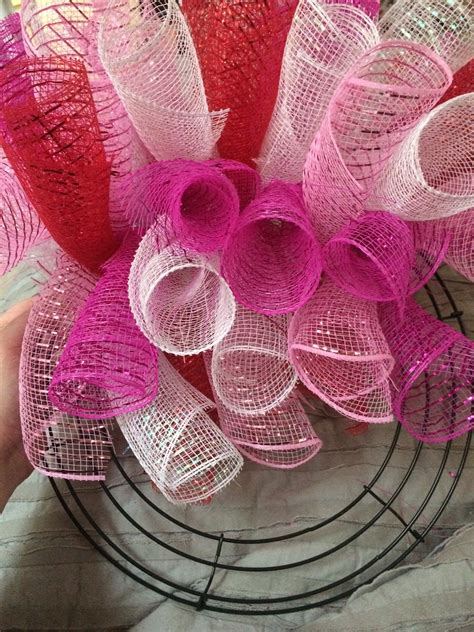 curly deco mesh wreaths diy living full time