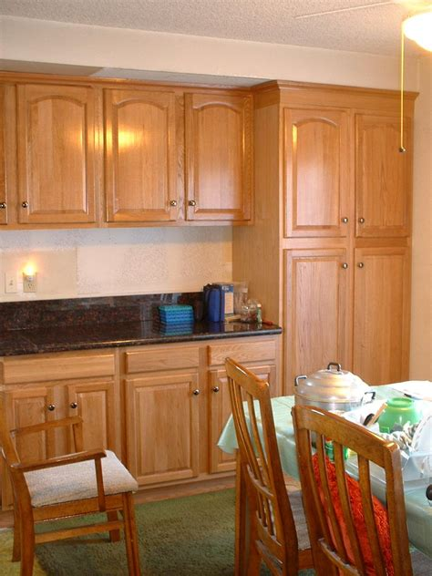 honey kitchen cabinets kitchens with oak cabinets