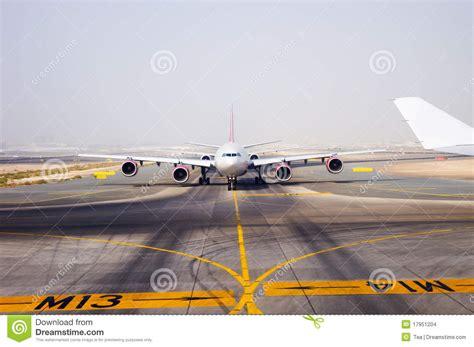 landing strip aircraft on landing strip stock images image 17951204