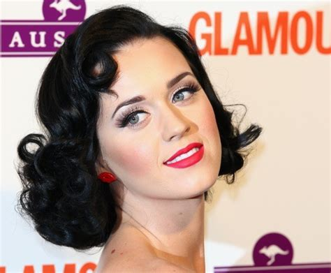 how to recreate 1950s hairstyles 1950s hairstyles burlesque clothing