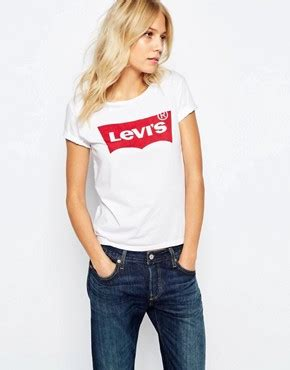 Hm Yosh Top Fit L levis levis batwing t shirt mit logo bei asos