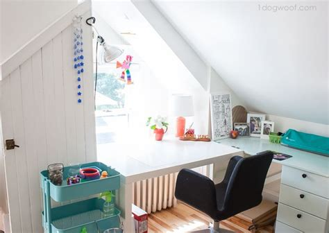 attic craft room ideas 25 best ideas about attic craft rooms on