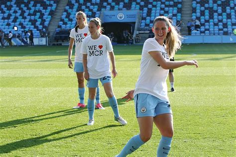 chelsea game manchester city women hold on to win and leapfrog chelsea