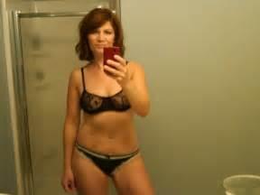 Brunette cougar loves mirror shots 20 selfies xxx selfies