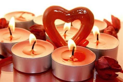 imagenes romanticas velas velas corazones y petalos de rosa para san valentin