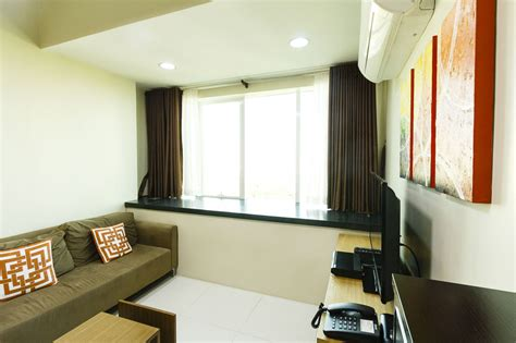 international city 1 bedroom rent condo for rent in lahug cebu grand realty
