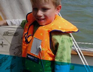 zwemvest drijfvermogen zwemvest of reddingsvest kopen lees ons advies