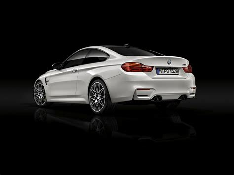 bmw  coming standard   competition pack