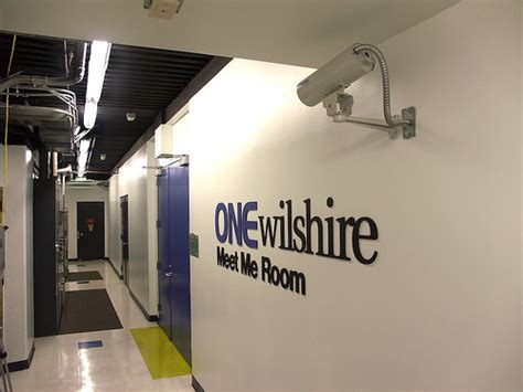 meet me room connecting tenants inside the data center colocation america