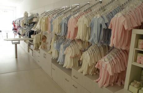 arredamento per negozi di abbigliamento arredamenti per negozi scaffali per negozi pannelli