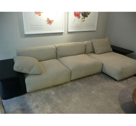 autour d un canape autour d un canape canap et fauteuil chesterfield
