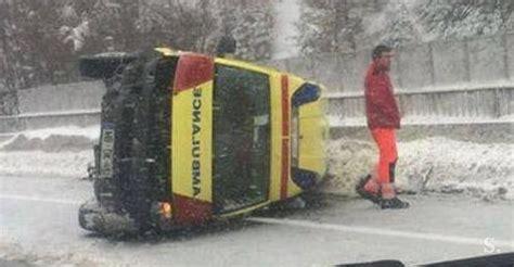 Kaos Na 137 na štajerski avtocesti nesreča reševalnega vozila foto siol net