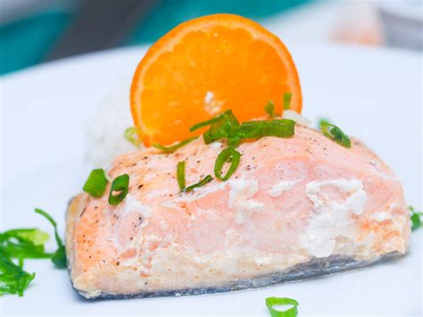 cucinare il salmone 3 modi per cucinare il salmone al forno wikihow