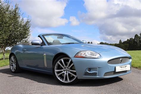 jaguar xk blue used blue metallic jaguar xkr for sale buckinghamshire