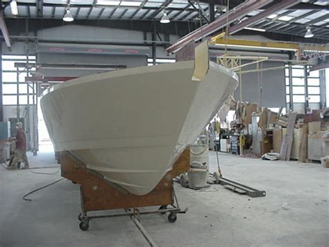 intrepid boats construction intrepid 300 under construction the hull truth boating