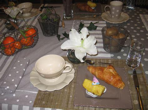 chambre et petit dejeuner petits d 233 jeuners chambres d h 244 tes le vieux logis