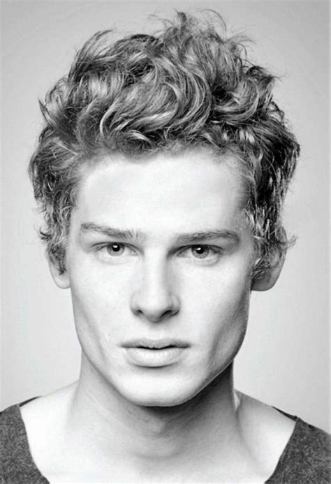 17th cenury curly haired men 1000 ideas about curly crop on pinterest short curly