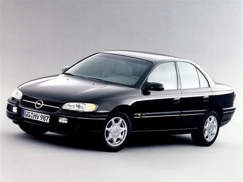 Opel Omega B by Opel Omega Klassiekerweb