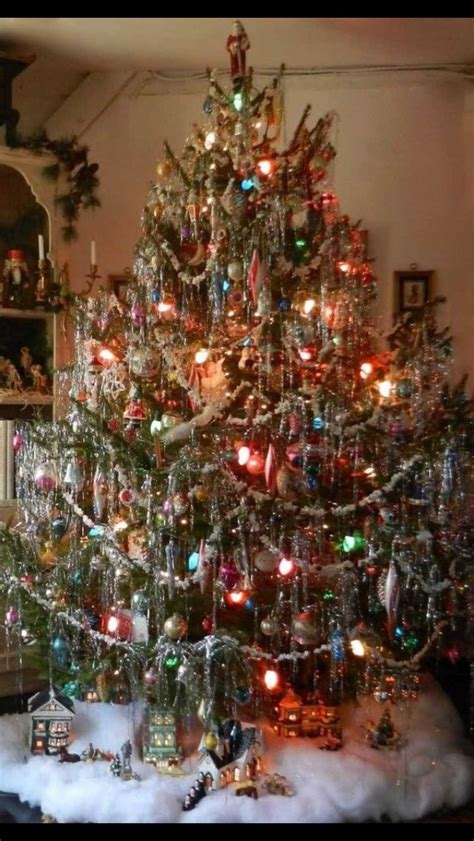 christmas garland on buffett pics this was our tree s i always loved the tinsel but i dont like much of it 11 03 15