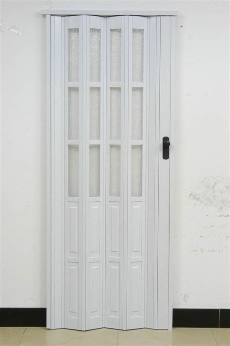 Interior Accordion Doors by 25 Best Ideas About Accordion Doors On