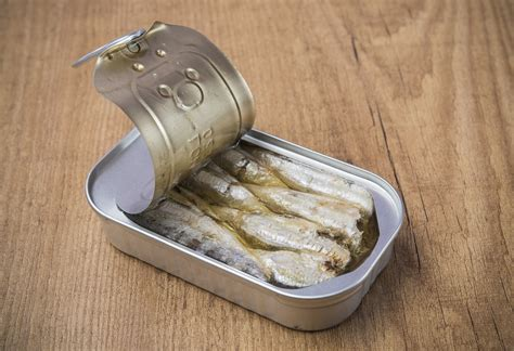 alimenti in scatola cibi in scatola e bisfenolo a i consigli per evitarlo