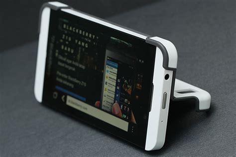 Casing Hp Blackberry Z10 Logo X4429 mengintip paket blackberry z10 versi retail