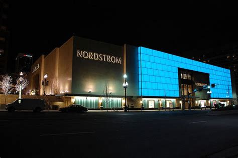 Garden City Ny Nordstrom Nordstrom To Get New York Store At Last News Retail