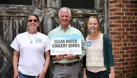 Hilary Helps Kickoff Clean Water Fundraiser by Clean Water Concert Series To Kick In Downtown Easton