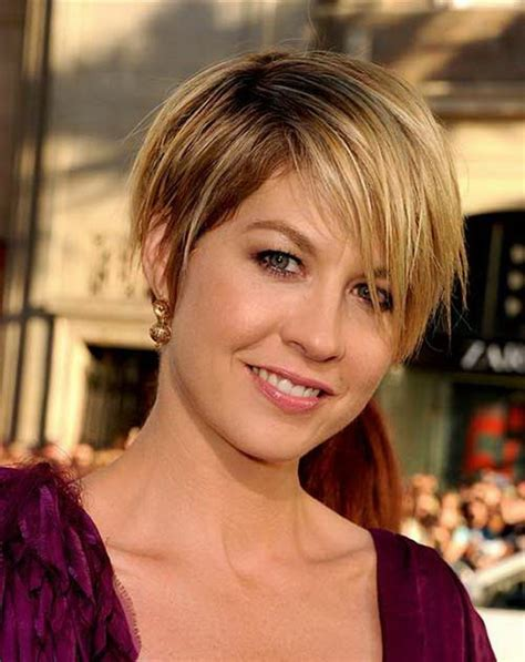 stunning short hairstyles for round faces with double chin 25 beautiful short haircuts for round faces 2017