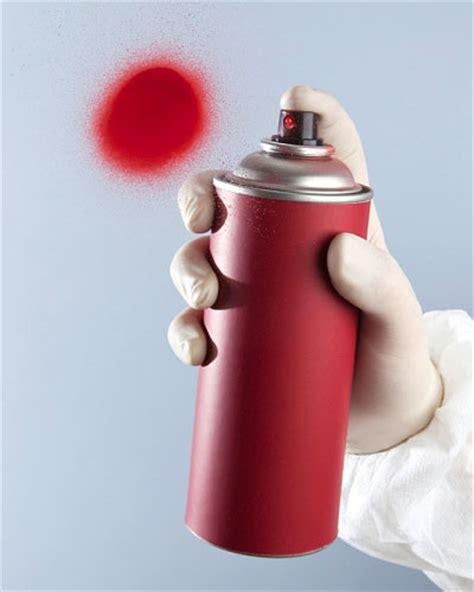 gimnasios ideas im 225 genes y decoraci 243 n gimnasio en casa adornos con aerosoles reciclar botes de spray sill 211 n