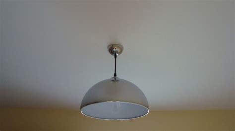 Poser Un Luminaire Au Plafond by Ladaire Plafond
