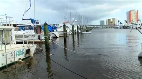 boats fort myers boats damaged in fort myers during hurricane irma youtube