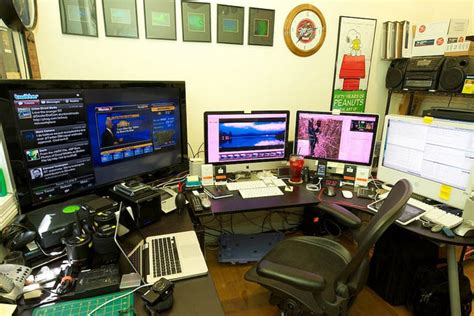best home office setup 25 best home office workstation setups pixel curse