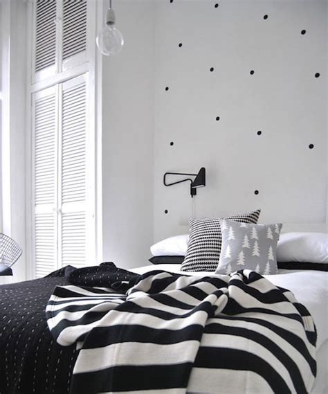 8 and easy ways to use polka dot wall decals