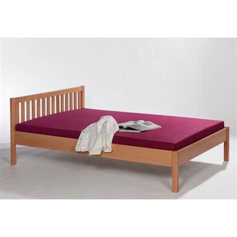 doppelbett mit hohem kopfteil doppelbett buche massivholz mit hohem kopfteil 180x200 cm