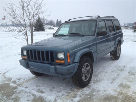 wrecked jeep cherokee brendan127 s wrecked 98 jeep cherokee is back jeep