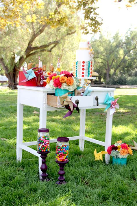 Vintage Summer Carnival Wedding Theme