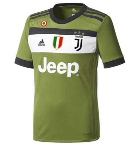 Jersey Juventus Away Patch Serie A 2017 2018 Grade Ori maglie serie a 2017 2018 home away e third
