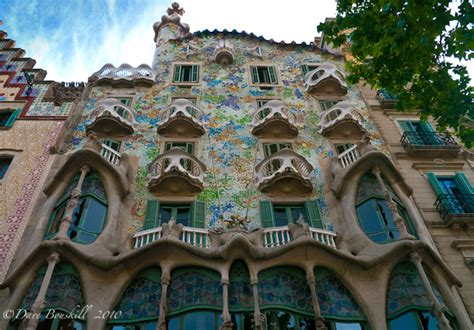 Barcelona Architecture | the works of gaudi in barcelona