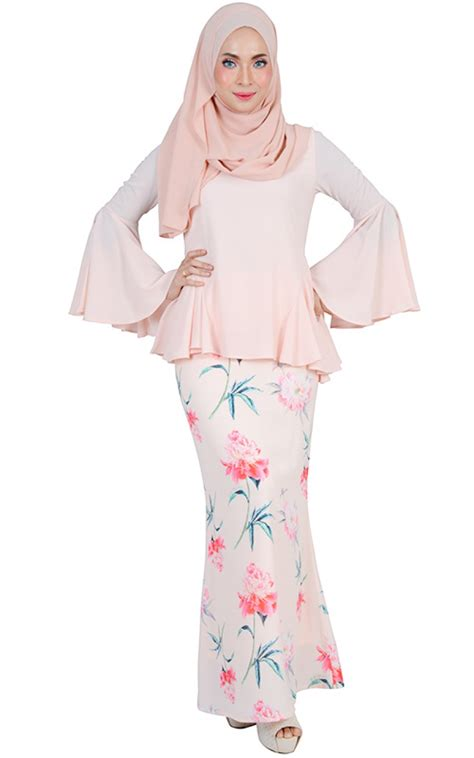 Hasna Set hasna modern baju kurung set light salmon baju kurung