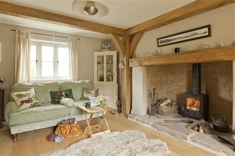 acorns  delightful cotswold cottage
