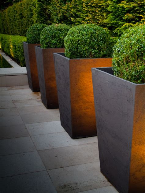 Simple Planter by Transform Your Backyard With Simple Planters Backyard X