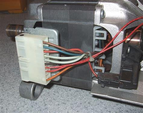 waschmaschine stinkt aus der trommel waschmaschine qualmt aus der trommel m 246 bel design idee