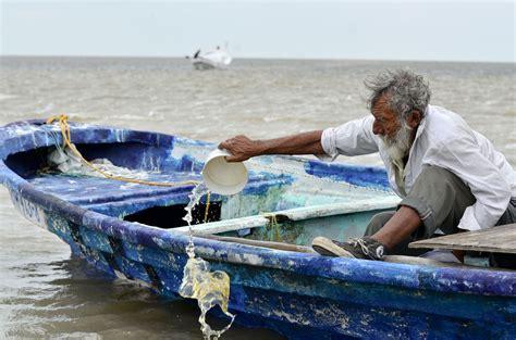 imagenes graciosos de pescadores apoyar 225 n a pescadores para evitar riesgos en altamar el