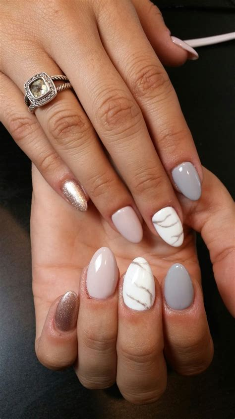Nägel Mit Gold by 17 Best Ideas About White Gel Nails On Gel