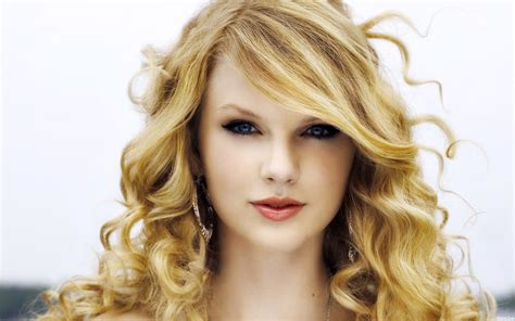 all taylor swift songs ranked billboard taylor swift tops billboard s top 40 money makers in music